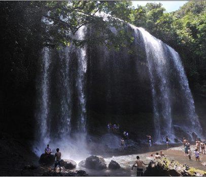 【帛琉】安得貌大瀑布(Ngardmau Waterfall) 與 迪翁格拉迪溪溯溪(Nqertebechel River)